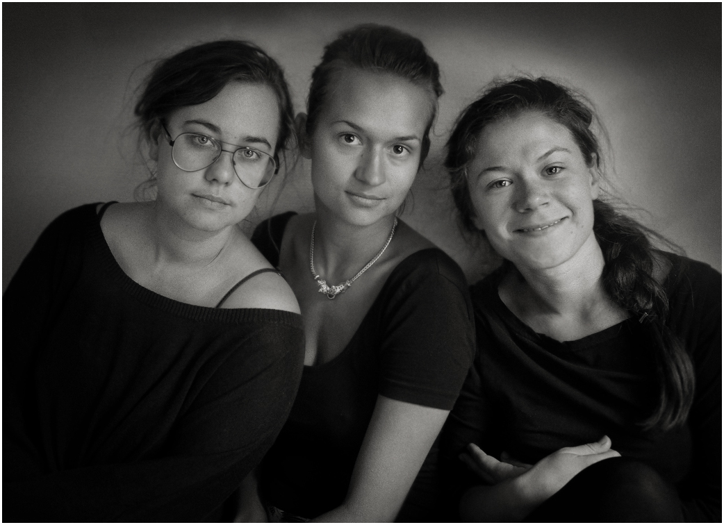 Nina, Bianca and Elin, actors, 2012