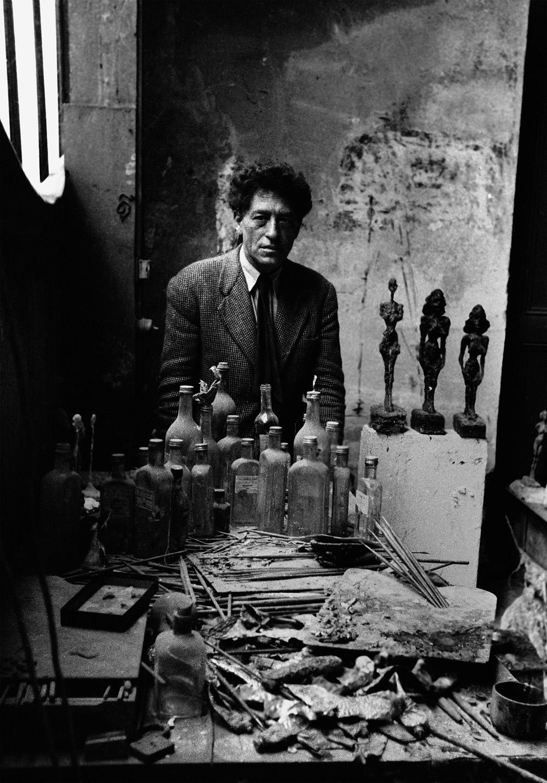 Alberto Giacometti dans son atelier, Paris, 1954©Sabine Weiss