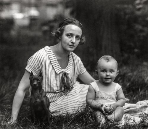 Ung mor, medelklass, 1926