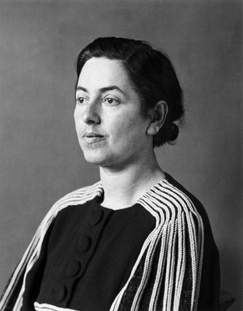 Förföljd, 1938