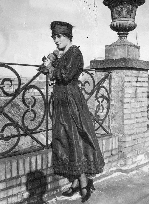 Olga-Khokhlova helfigur
